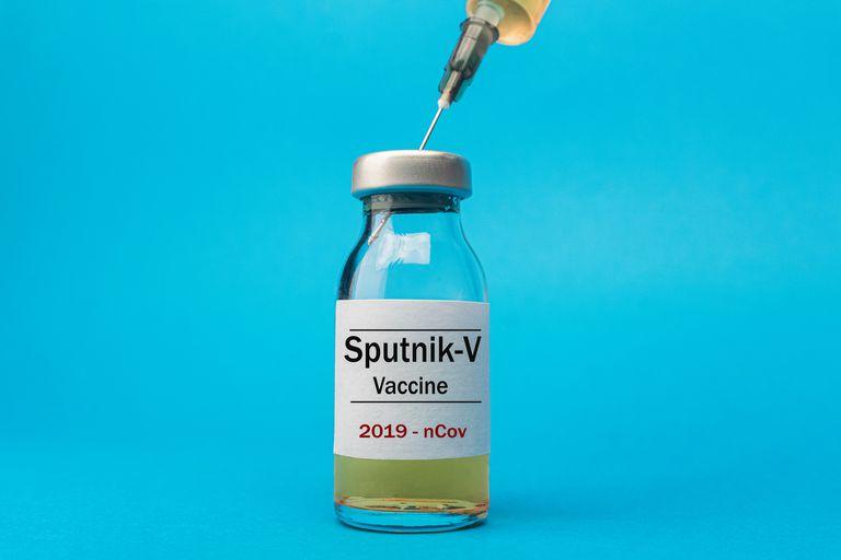La escasez mundial de vacunas y las demoras en la producción son uno de los principales puntos débiles en la lucha contra la pandemia de Covid-19