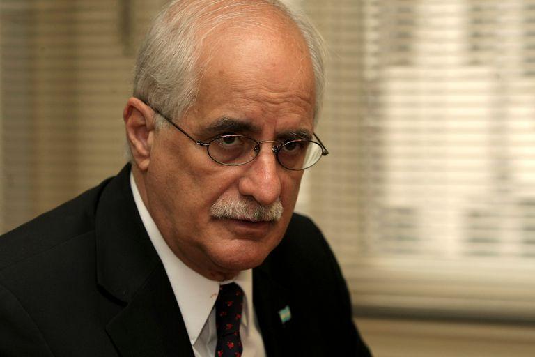 El senador kirchnerista Jorge Taiana también figura como firmante de la declaración