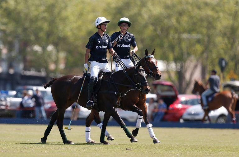 Juan Martín Zubía, de 22 años, y Bartolomé Castagnola (h.), son jóvenes que ya tienen algunas temporadas de experiencia en Triple Corona.