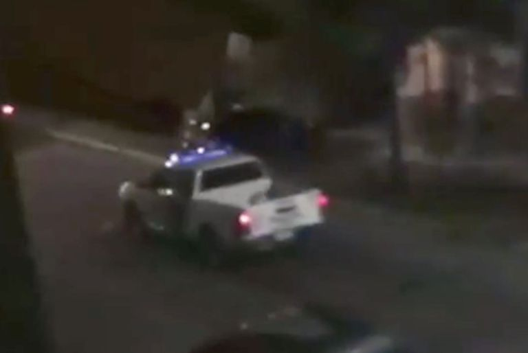 Quisieron robar una casa y con una ametralladora se enfrentaron con la policía