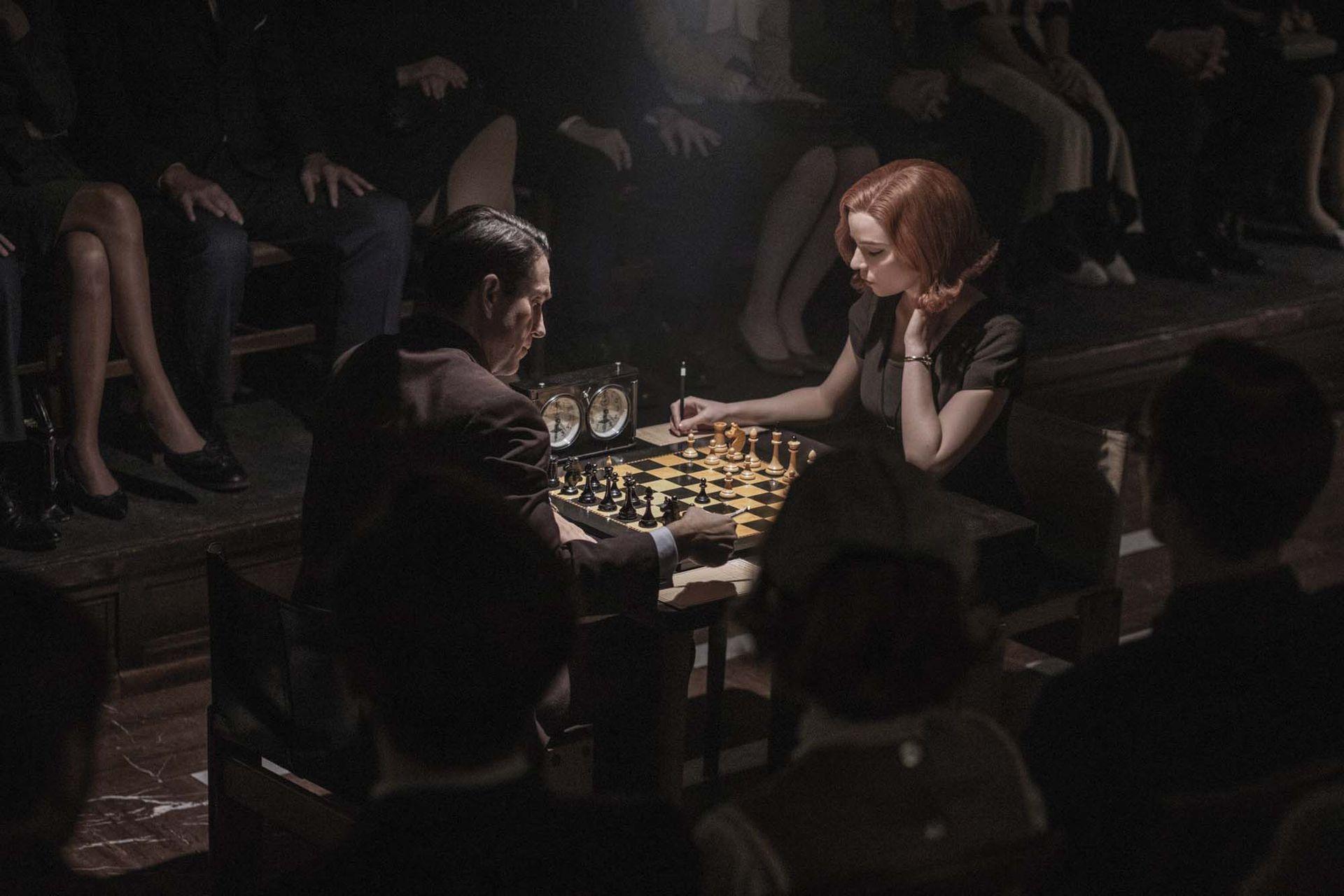 Una escena de la serie Gambito de reina