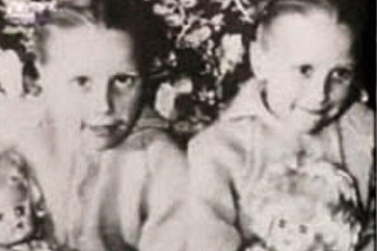 Las gemelas Pollock pidieron las muñecas de sus difuntas hermanas y, sin saberlo, las bautizaron como ya lo habían hecho ellas: Mary y Susan