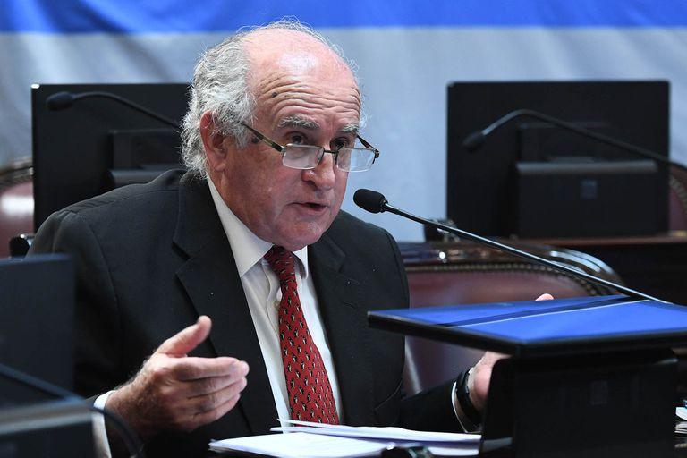 El senador Oscar Parrilli, de máxima confianza de Cristina Kirchner, sorprendió con el anuncio de que el Presidente quiere crear una comisión bicameral (de diputados y senadores) que investigue al Poder Judicial