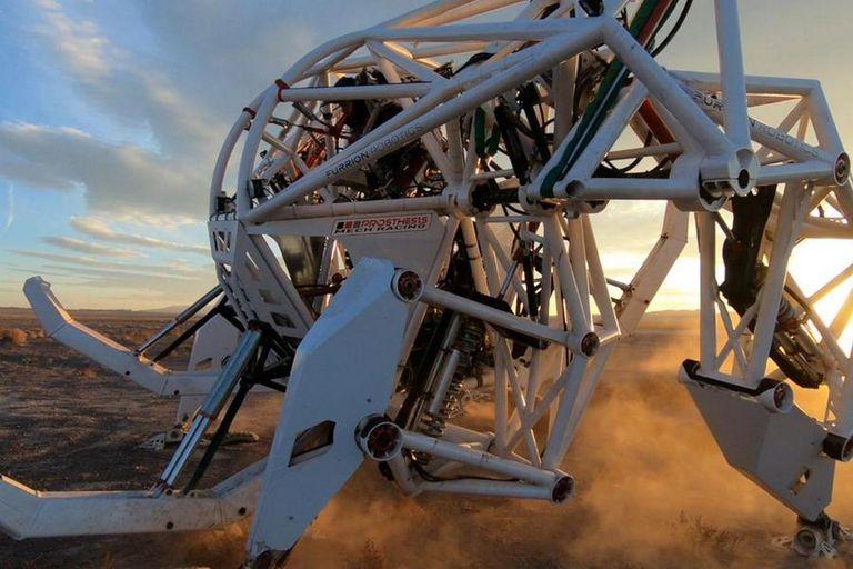 Es el mayor exoesqueleto del mundo y sus creadores planean utilizar este traje para un torneo de lucha de robots mecha