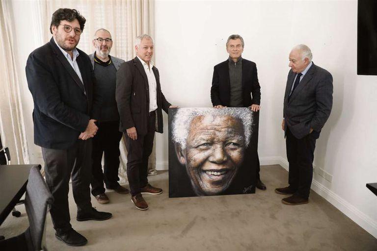 Un retrato hiperrealista de Mandela habita en Olivos