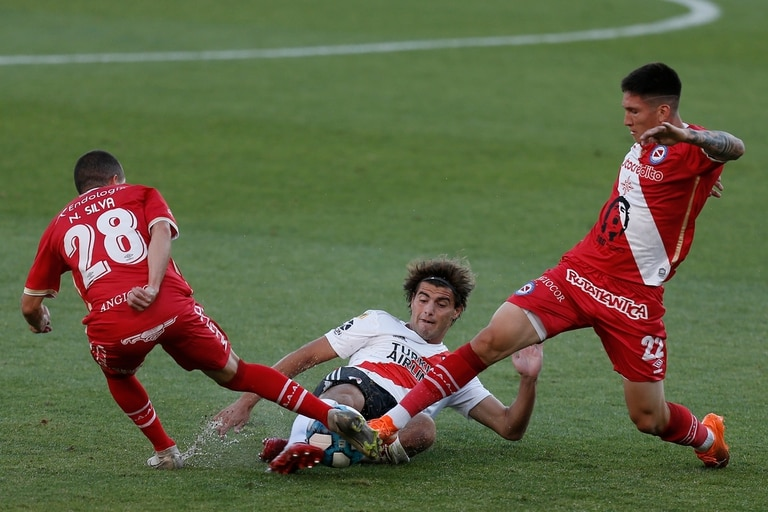 Escena de River Plate vs. Argentinos Juniors.
