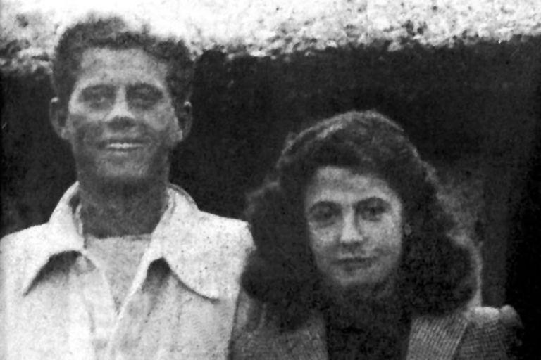 John Fitzgerald Kennedy con Stella Carcano en la estancia San Miguel, en Córdoba, durante su visita al país en 1941