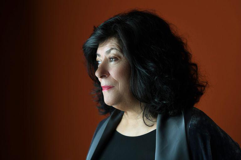 """La escritora española Almudena Grandes acaba de publicar la novela """"La madre de Frankenstein"""", que se suma a la saga Episodio de una guerra interminable sobre la posguerra"""