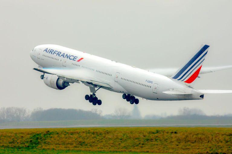 Se investiga la presencia de un explosivo en un avión de Air France