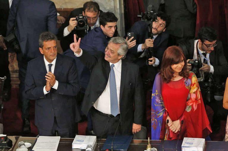 """El Presidente dijo que se propone """"terminar con los sótanos de la democracia"""""""