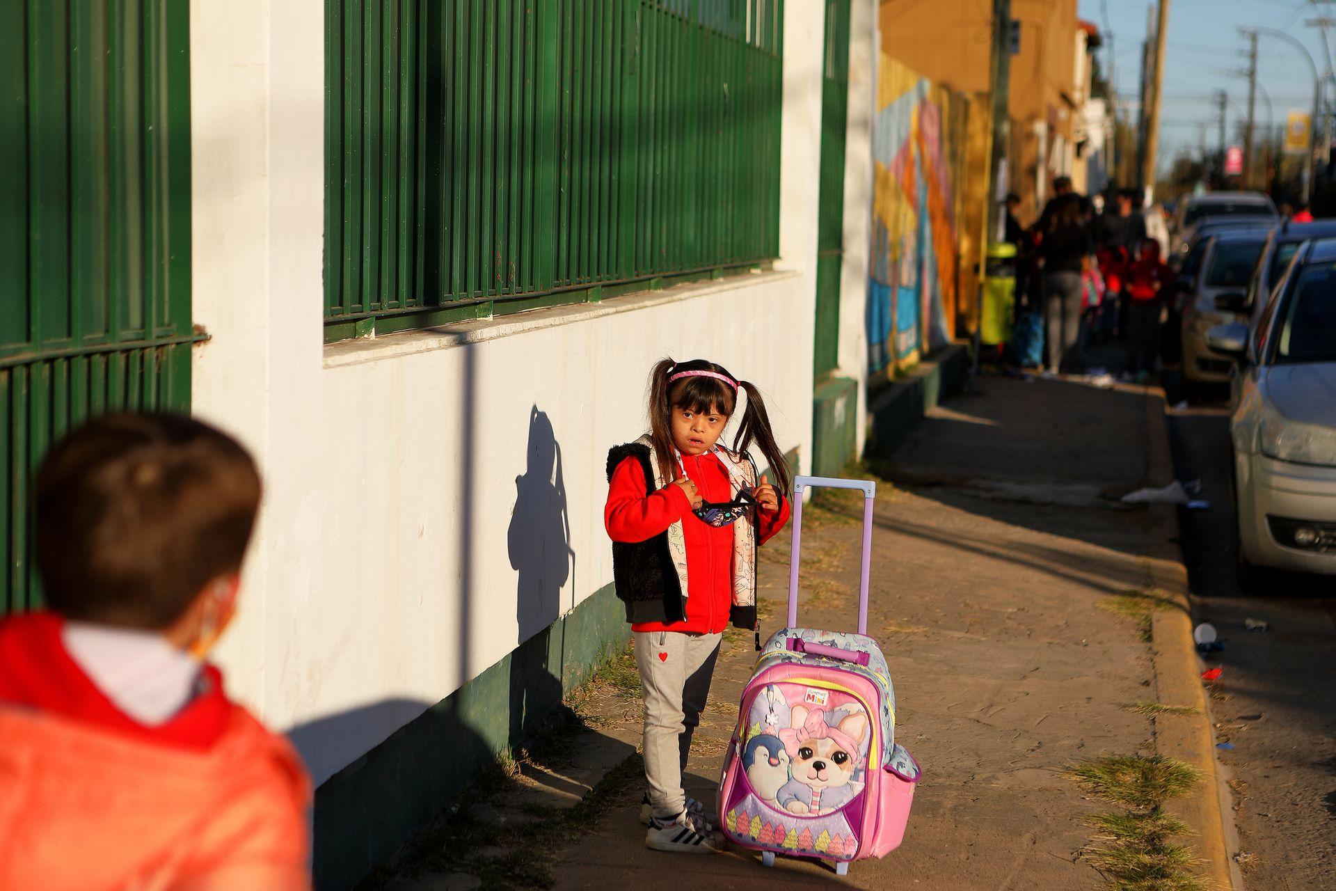 Hoy Maggie va a segundo grado en un colegio de La Plata