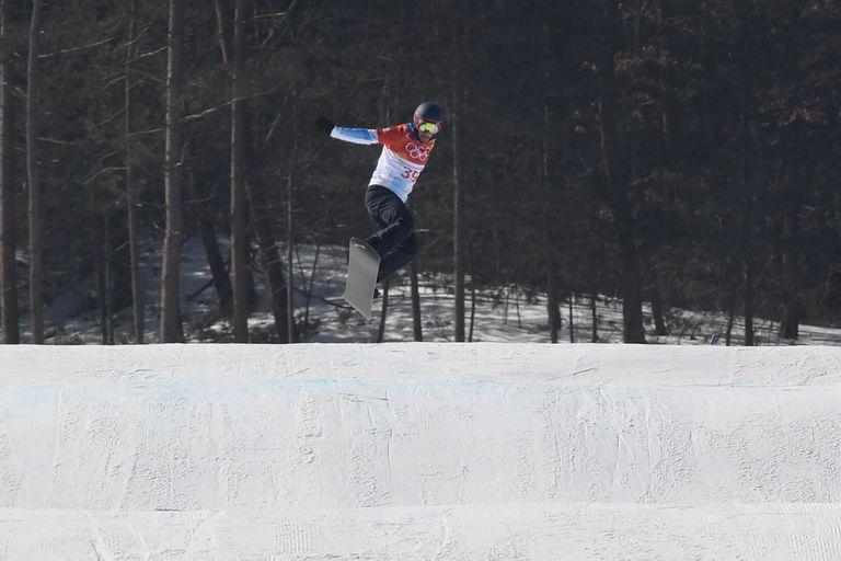 No pudo: Steven Williams quedó cerca de los cuartos de final del snowboard cross