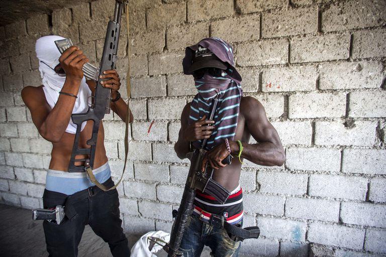 Desde comienzos de 2020, las bandas armadas siembran el terror en las calles de Haití. Crédito: Dieu Nalio Chery
