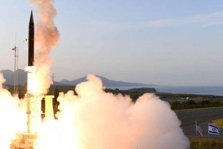 """Funcionarios de Israel y Estados Unidos celebraron las pruebas del Arrow 3 realizadas con """"éxito"""" en Alaska"""