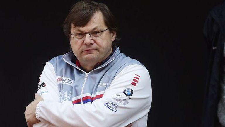El médico negacionista que generó el brote en la delegación checa