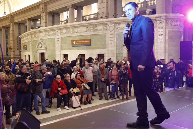 El Festival de Tango se trasladó por un rato a la estación de trenes de Retiro