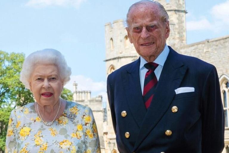 Isabel II junto a Felipe de Edimburgo