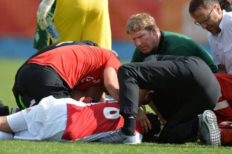 Ajax le rescindió el contrato al jugador que despertó después de 3 años en coma