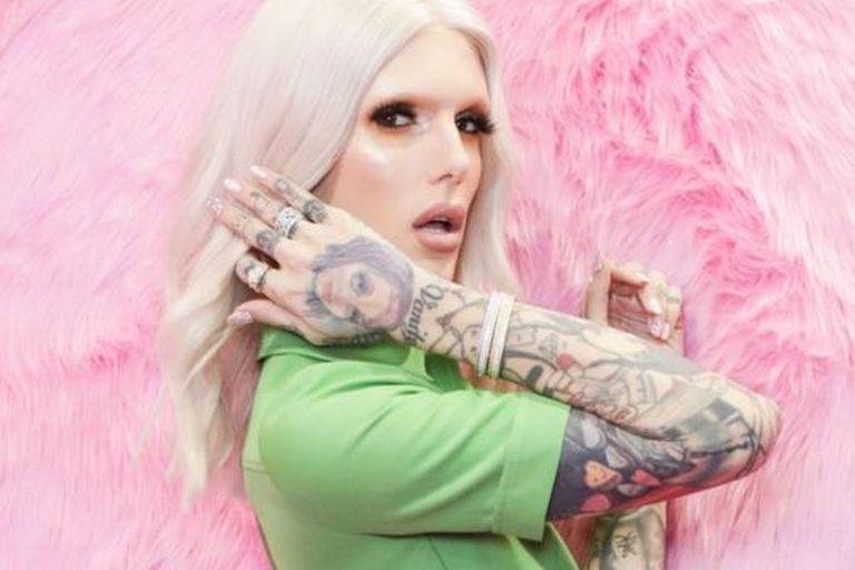 Jeffree Star tiene decenas de tutoriales de maquillaje