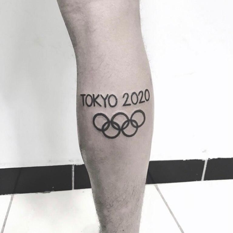 El tatuaje de Derlys Ayala, el deportista paraguayo que busca sugerencias en Instagram