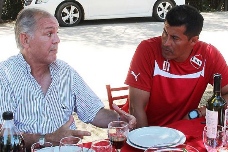 La visita de Sabella al plantel del Rojo conducido por Almirón