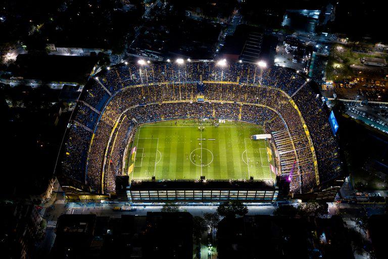 Una vista de la Bombonera, en una noche de Copa Libertadores