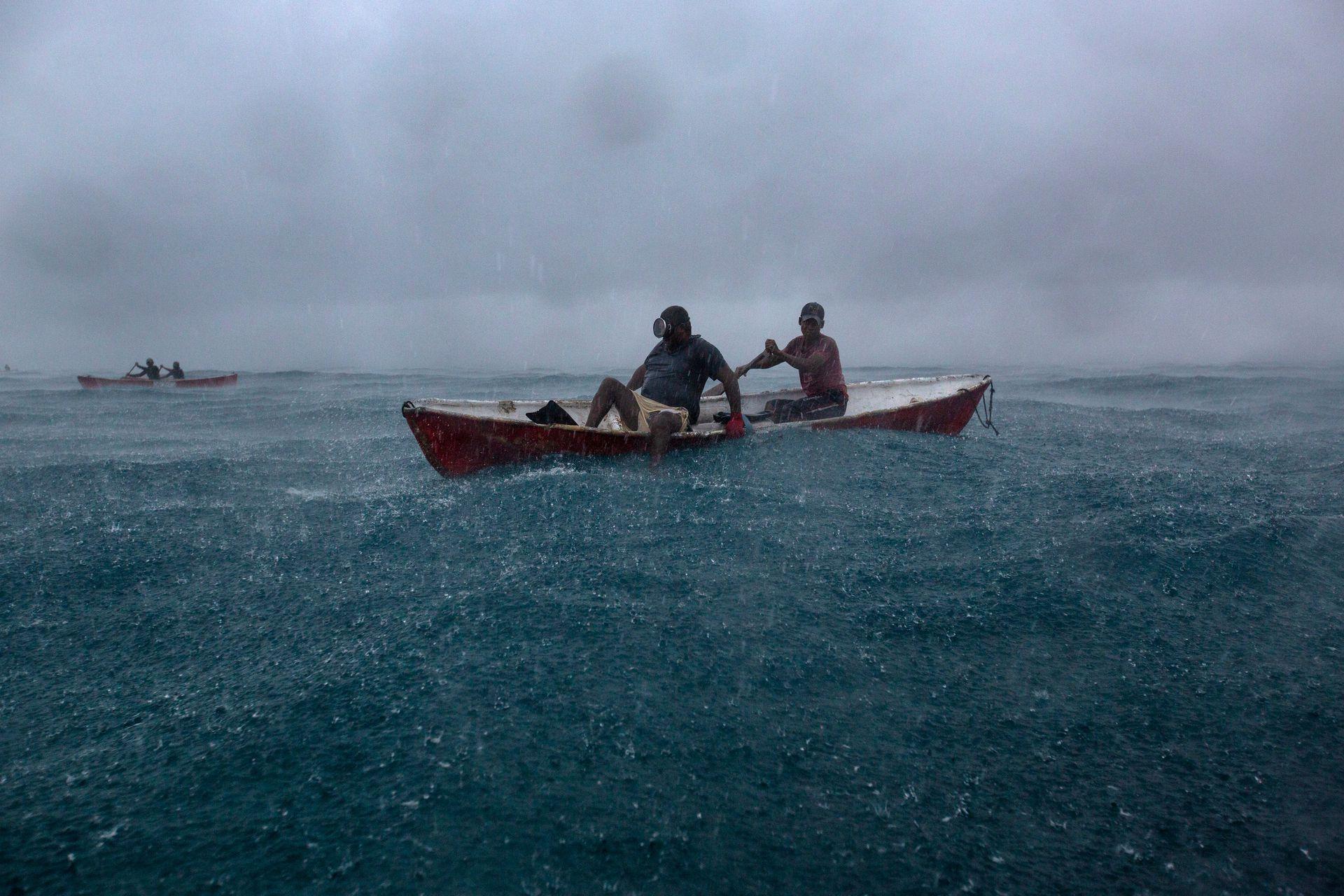 La pesca no se interrumpe pese a una fuerte tormenta