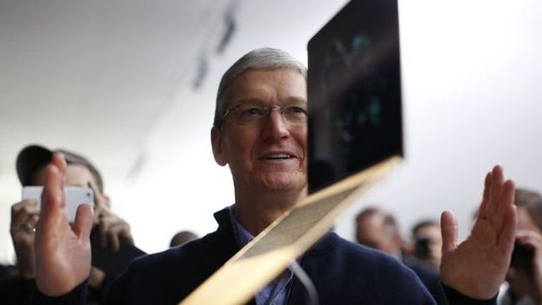 Tim Cook es hoy día el CEO de Apple. ¿Cómo sería la empresa hoy día si Jobs siguiera vivo?