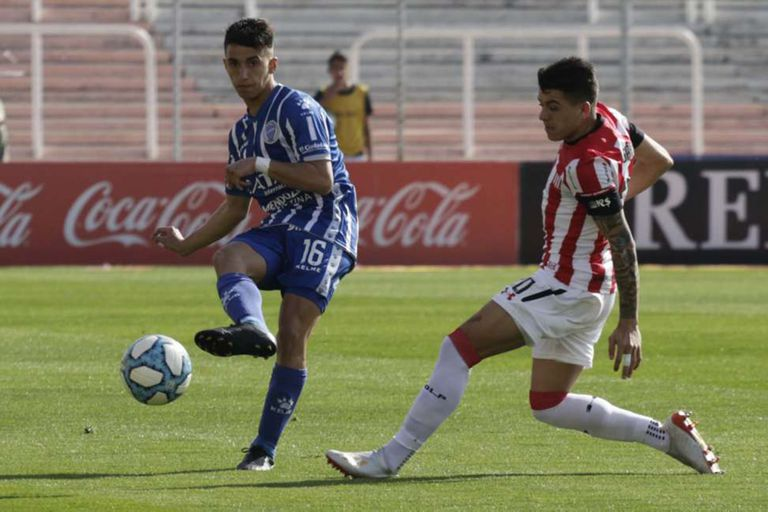 Agustín Manzur, de 20 años, jugó dos encuentros por la Copa Maradona.