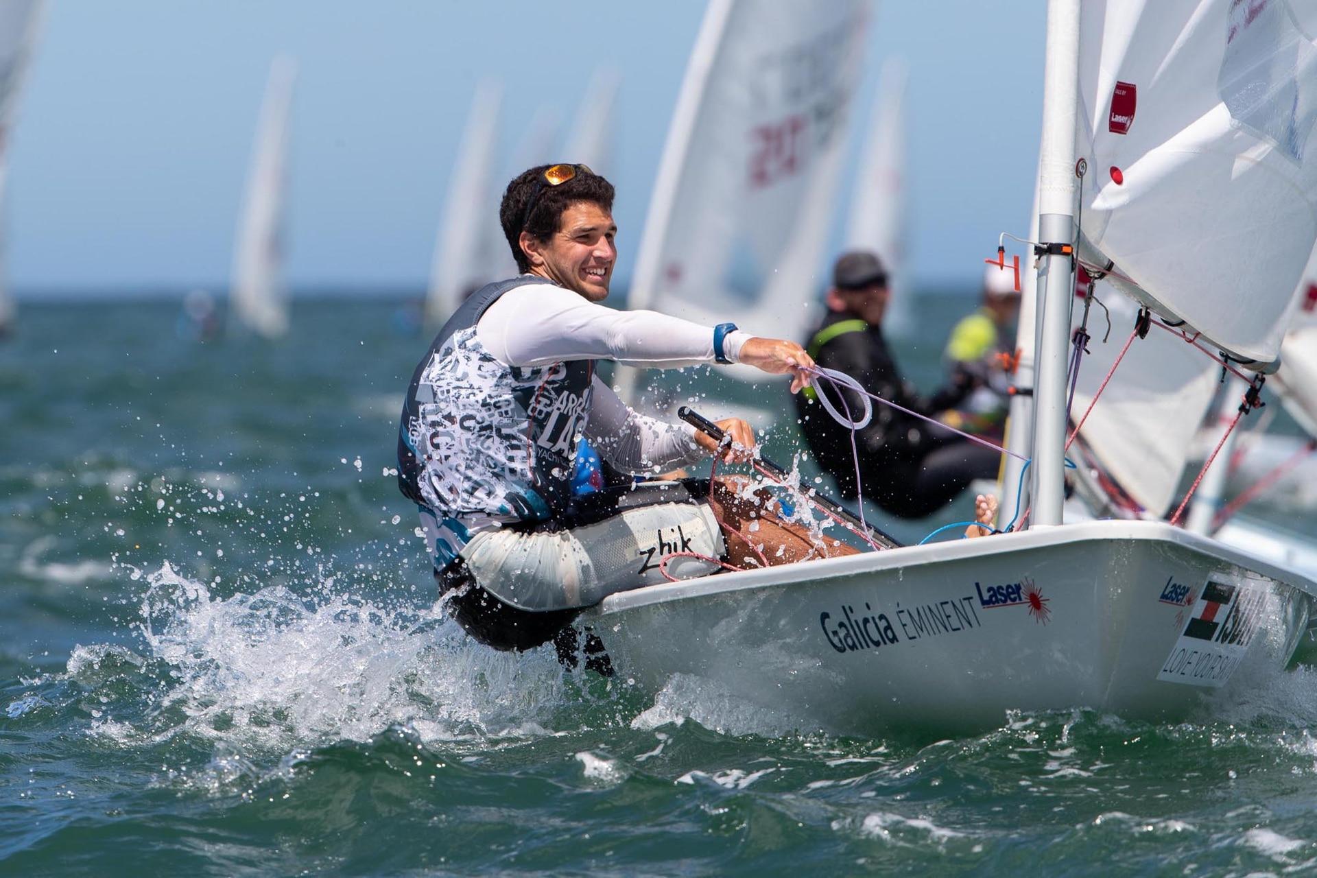 """La """"Semana Nacional del Yachting"""" es un festival para clases de orza que se constituye en un campeonato tradicional de la vela nacional y la oportunidad para que muchos jóvenes de diversas partes del país naveguen por primera vez en las aguas del Océano Atlántico."""