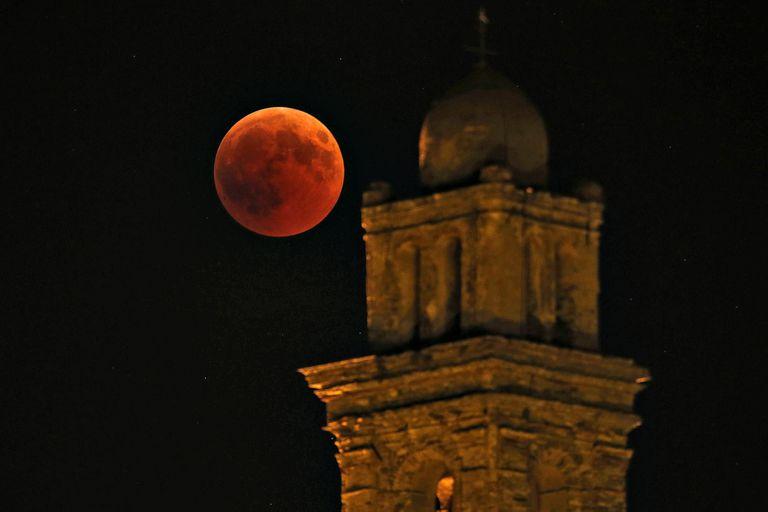 Eclipse lunar 2018: la Luna Roja se hizo esperar en Europa