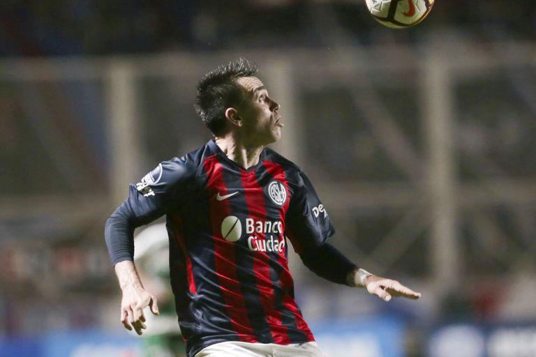 Fue campeón con Almirón en Lanús, pero en San Lorenzo no tuvo lugar y va a Chile