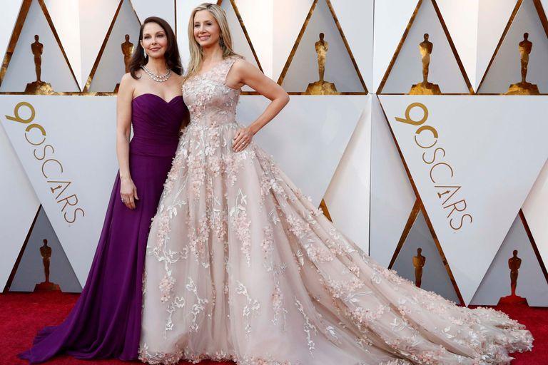 Ashley Judd y Mira Sorvino, ambas denunciantes de Harvey Weinstein, presentes en la ceremonia que le dice basta al abuso de poder