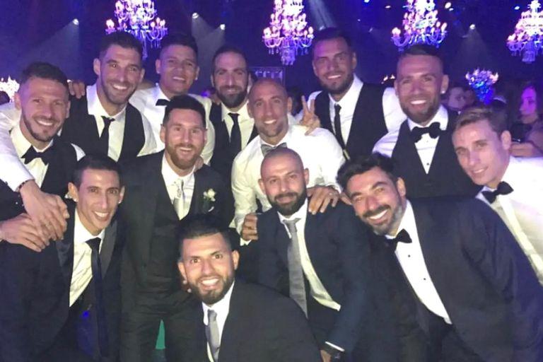 El Pocho Lavezzi publicó fotos de sus grandes amistades en la vida y el fútbol