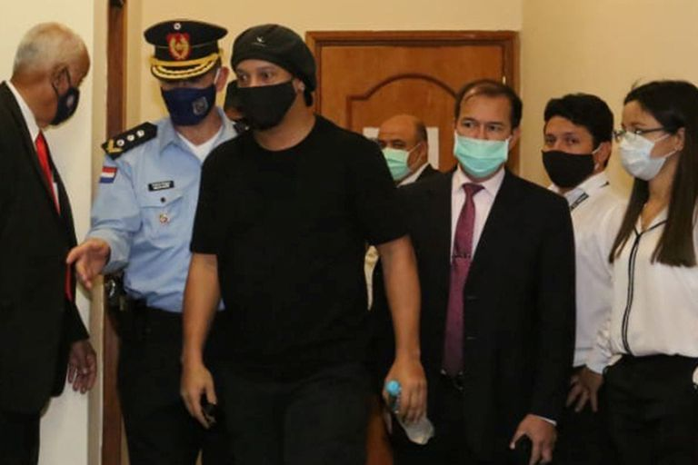 Ronaldinho. Fue liberado en Paraguay tras estar casi seis meses en prisión