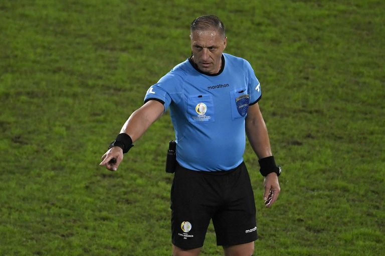 Copa Libertadores: el argentino Néstor Pitana dirigirá la final
