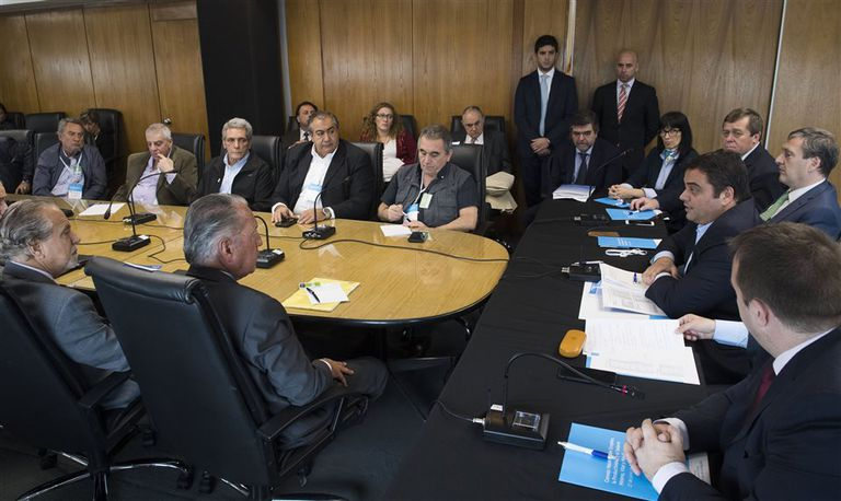 Triaca presidió el encuentro entre empresarios y gremialistas, pero todo concluyó en desacuerdo