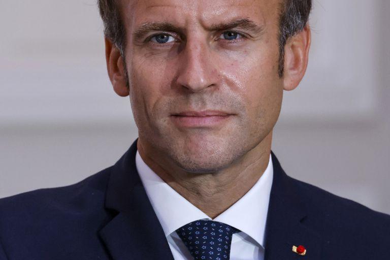 El presidente de Francia, Emmauel Macron, en el acto para firmar un acuerdo de defensa con el Palacio del Elíseo el martes 28 de septiembre de 2021 en París (Ludovic Marin, Pool Foto via AP)