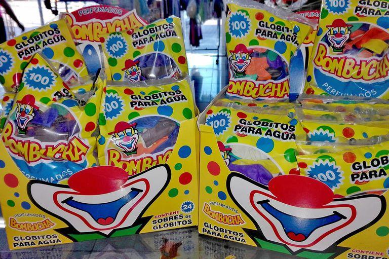La empresa fabricaba los globos de agua de la reconocida marca Bombucha