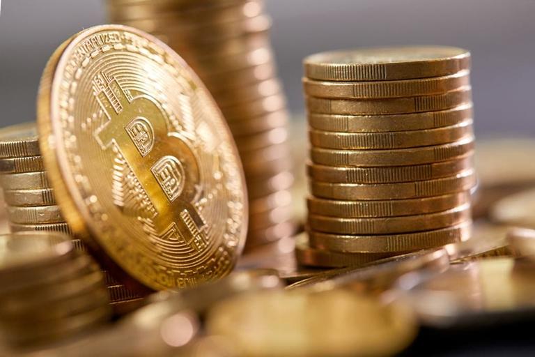 Un inglés compró bitcoins en 2015 y el rendimiento fue del 3650%
