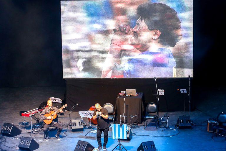 El festival y Mundial Tango BA homenajeó a Maradona