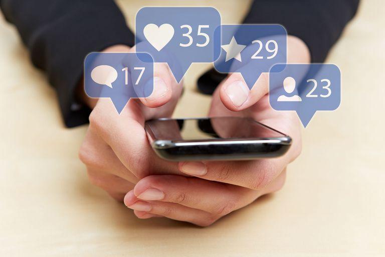 Responsabilizamos a las notificaciones por el tiempo que usamos el teléfono, pero lo que debemos cambiar es la costumbre de agarrarlo aunque no haya pasado nada