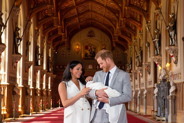 """El apodado """"Baby Sussex"""" posó junto a sus padres"""