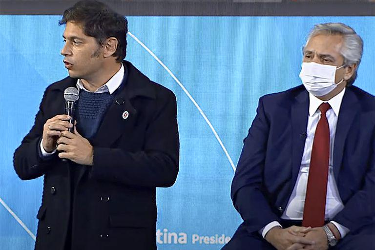 Distante de la crisis de Alberto Fernández, Kicillof recibió intendentes en La Plata
