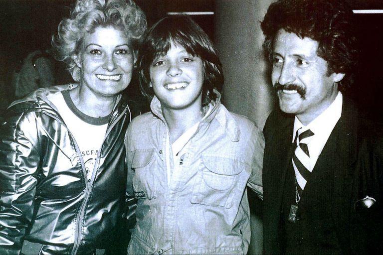 Luis Miguel con sus padres, Marcela Basteri y Luisito Rey