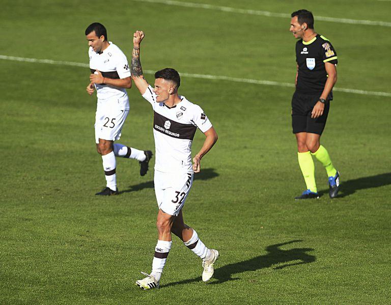 Platense goleó a Rosario Central 4-1 y lo dejó sin la clasificación a los cuartos de final