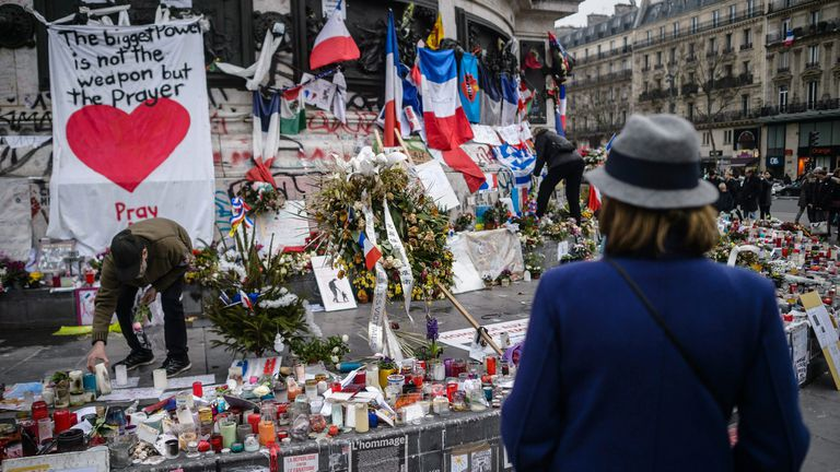 A un mes de los atentados de Estado Islámico en París
