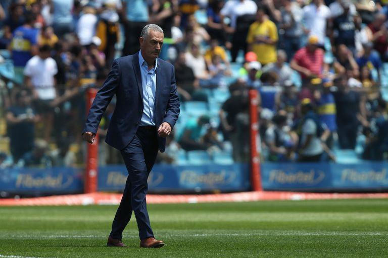 Gustavo Alfaro, ingresando a la Bombonera como DT de Boca. La imagen podría repetirse en octubre, pero al frente de la selección de Ecuador y en el primer partido de las Eliminatorias.