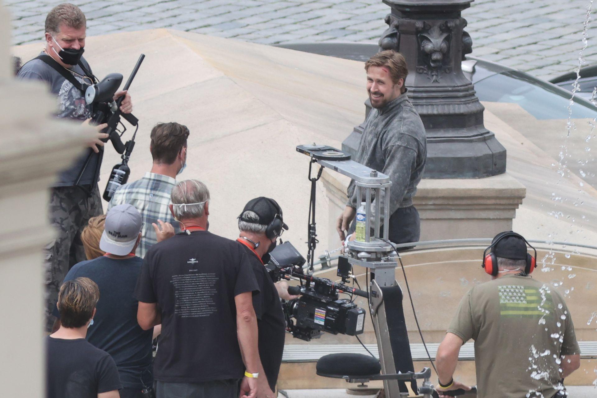 Ryan Gosling en el rodaje de The Gray Man, el thriller de espías que actualmente se está filmando en Praga