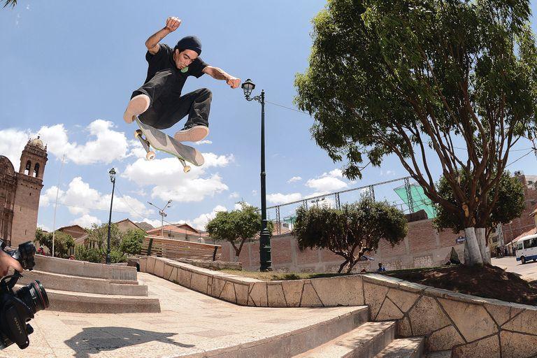 Milton Martínez, fan de Horcas y Pappo, es hijo de un pionero del skate argentino